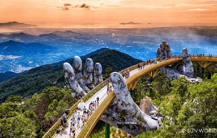 Cây Cầu Vàng Đà Nẵng trên đỉnh Bà Nà Hills